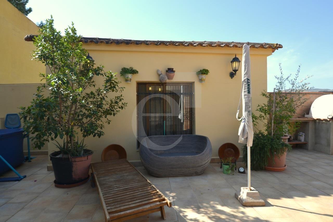 Único de dos viviendas contiguas unidas Tendencias de diseño actuales - Dos casas unidas en Pedralba | Ref: 1433