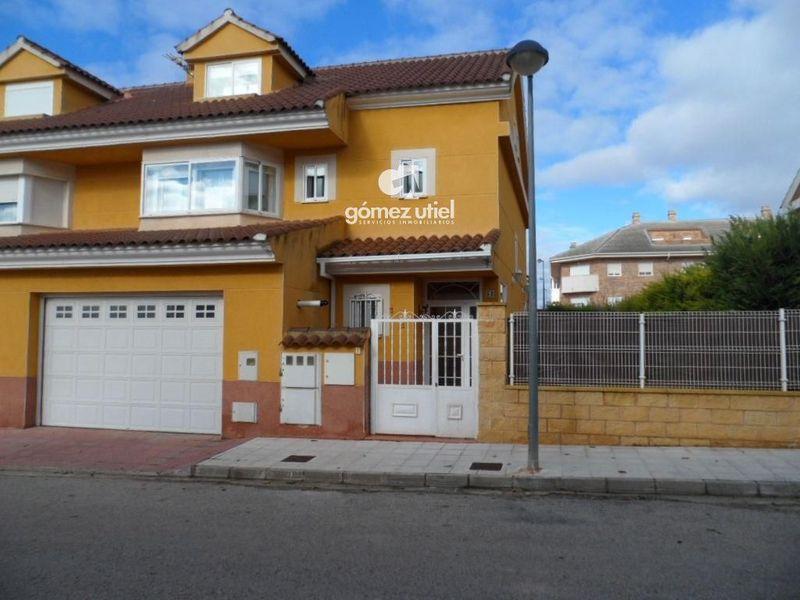 Chalet Independiente en venta  en Arcas, Cuenca . Ref: 2039. Gomez Utiel Servicios Inmobiliatios Cuenca