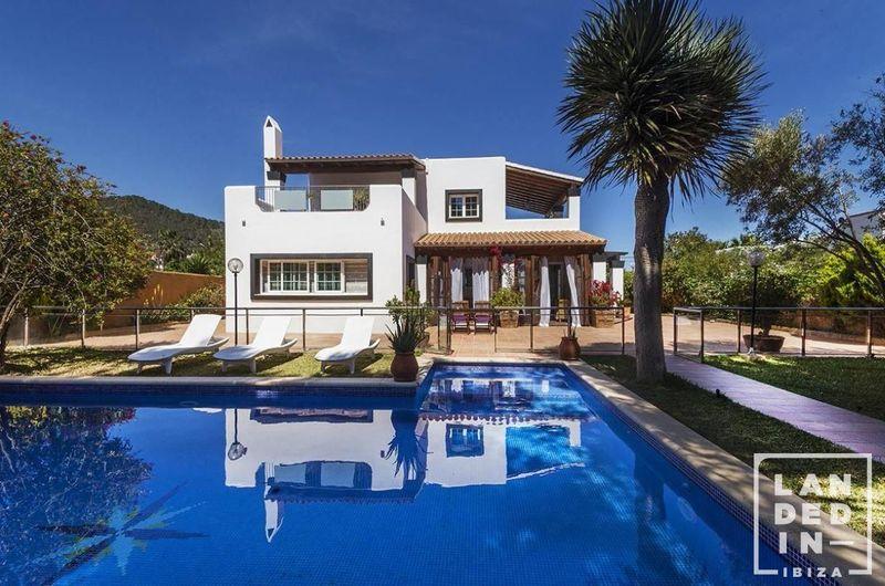 Casa en venta  en Sant Josep de Sa Talaia, Baleares . Ref: 1072. Landed in Ibiza