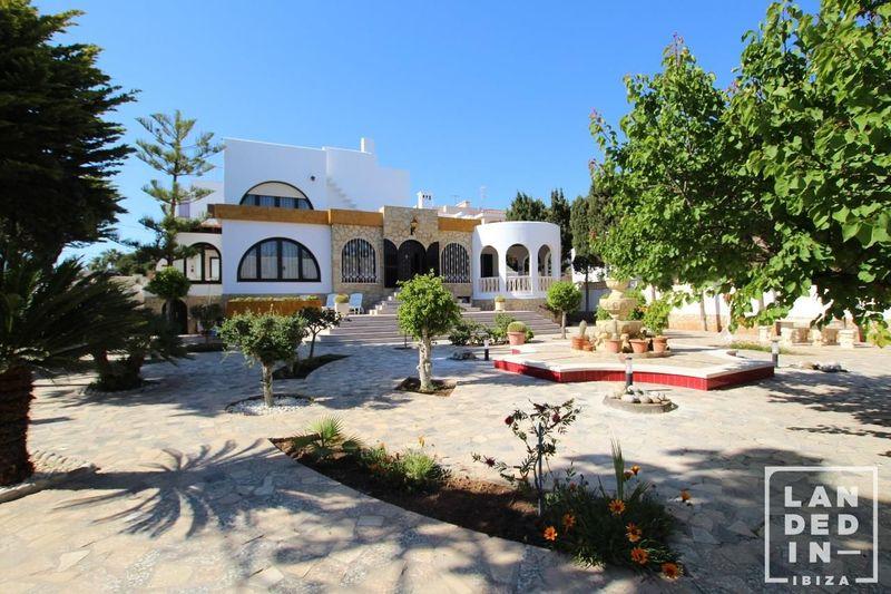 Casa en venta  en Ibiza, Baleares . Ref: 1495. LANDED IN IBIZA REAL ESTATE