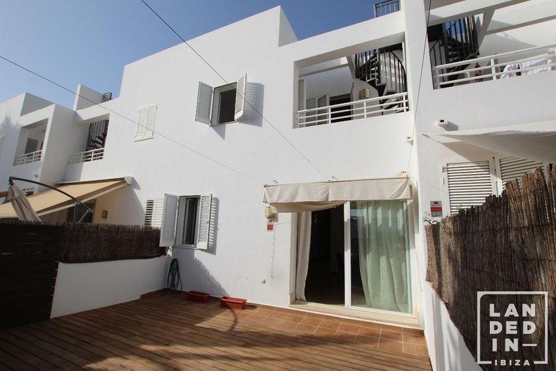 Adosado en venta  en Ibiza, Baleares . Ref: 1517. LANDED IN IBIZA REAL ESTATE