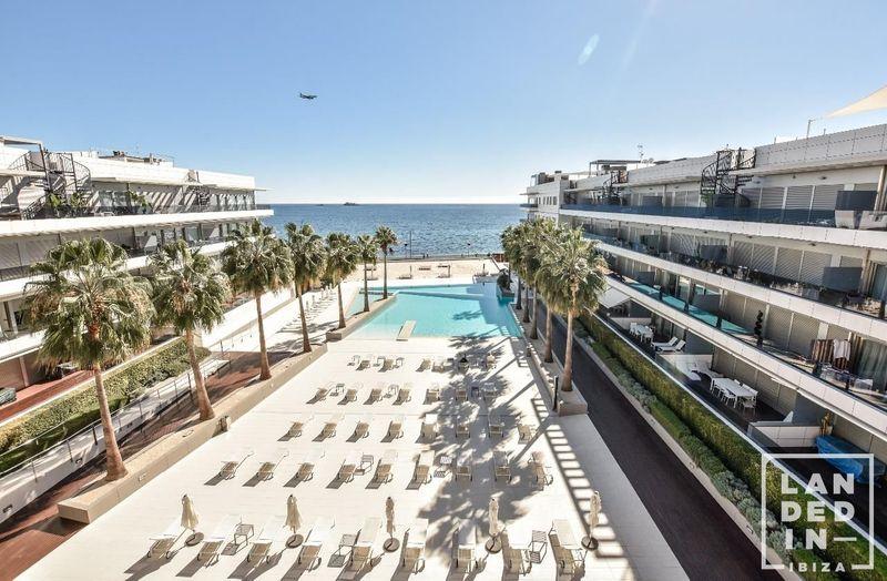 Ático en venta  en Ibiza, Baleares . Ref: 1557. Landed in Ibiza