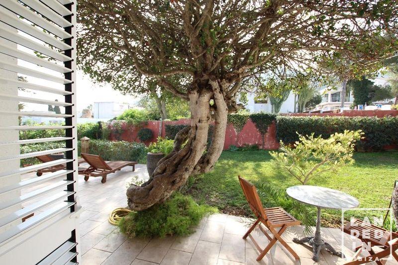 Adosado en venta  en Santa Eularia des Riu, Baleares . Ref: 1620. LANDED IN IBIZA REAL ESTATE