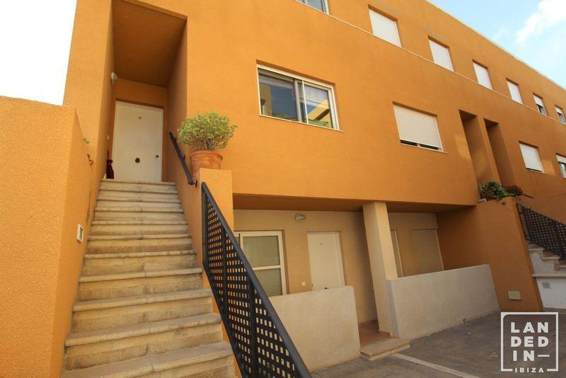 Dúplex en venta  en Ibiza, Baleares . Ref: 1657. LANDED IN IBIZA REAL ESTATE