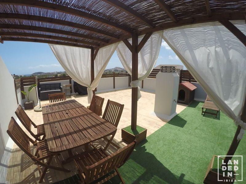 Ático en venta  en Santa Eularia des Riu, Baleares . Ref: 1658. LANDED IN IBIZA REAL ESTATE