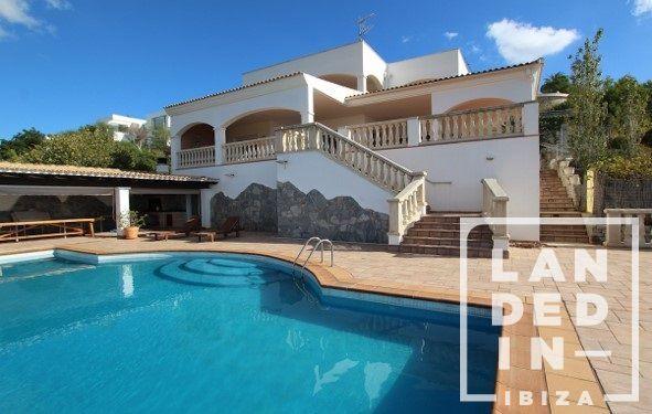 Casa en venta  en Santa Eularia des Riu, Baleares . Ref: 1732. LANDED IN IBIZA REAL ESTATE
