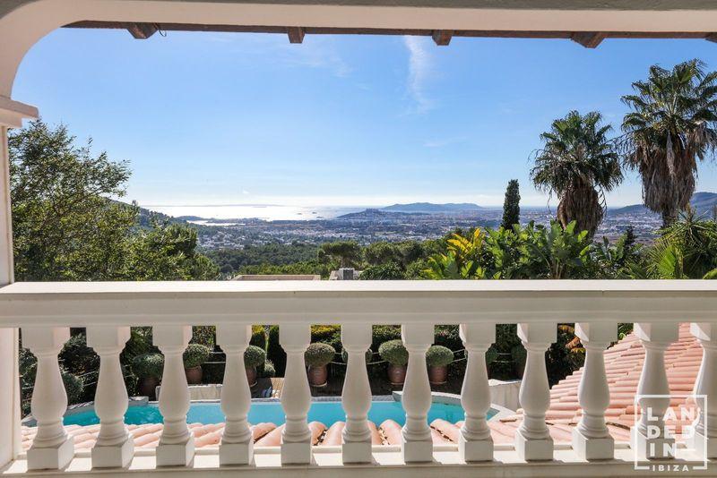 Casa en venta  en Santa Eularia des Riu, Baleares . Ref: 1742. LANDED IN IBIZA REAL ESTATE