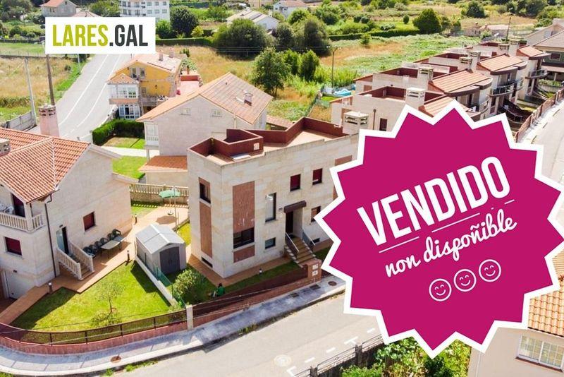 Chalet zu verkaufen  in Cangas Do Morrazo, Pontevedra . Ref: 2921. Lares Inmobiliaria