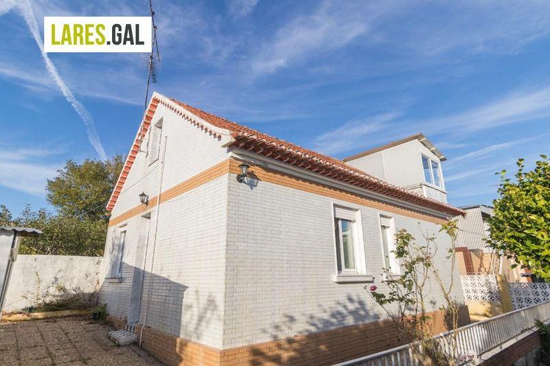 Casa en venda  en Cangas Do Morrazo, Pontevedra . Ref: 3053. Lares Inmobiliaria