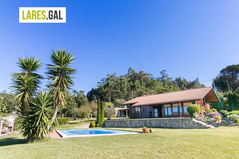 Casa en Bueu, Pontevedra . Ref: 3223. Lares Inmobiliaria