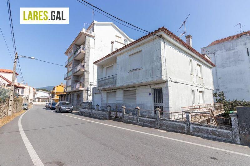 Casa en venda  en Cangas Do Morrazo, Pontevedra . Ref: 3482. Lares Inmobiliaria