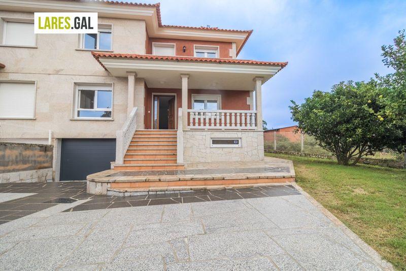 Adosado en Cangas Do Morrazo, Pontevedra . Ref: 3671. Lares Inmobiliaria