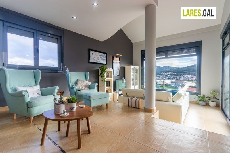 Chalé Independente en venda  en Cangas Do Morrazo, Pontevedra . Ref: 3703. Lares Inmobiliaria