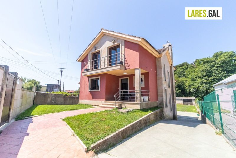Chalé Independente en venda  en Cangas Do Morrazo, Pontevedra . Ref: 3781. Lares Inmobiliaria