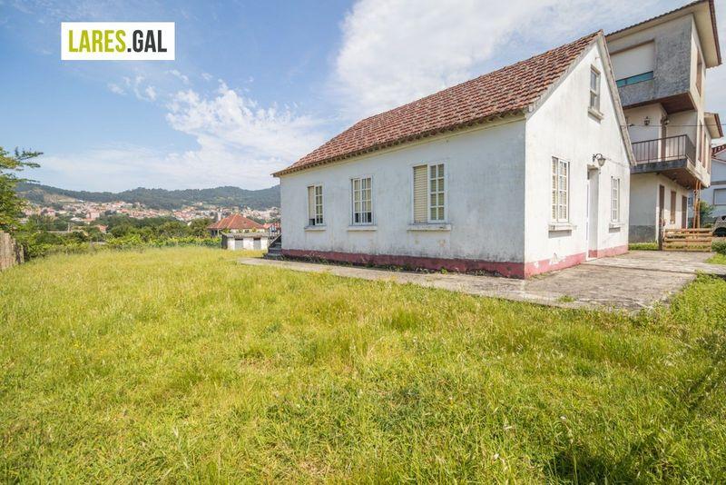 Casa en venda  en Cangas Do Morrazo, Pontevedra . Ref: 3782. Lares Inmobiliaria
