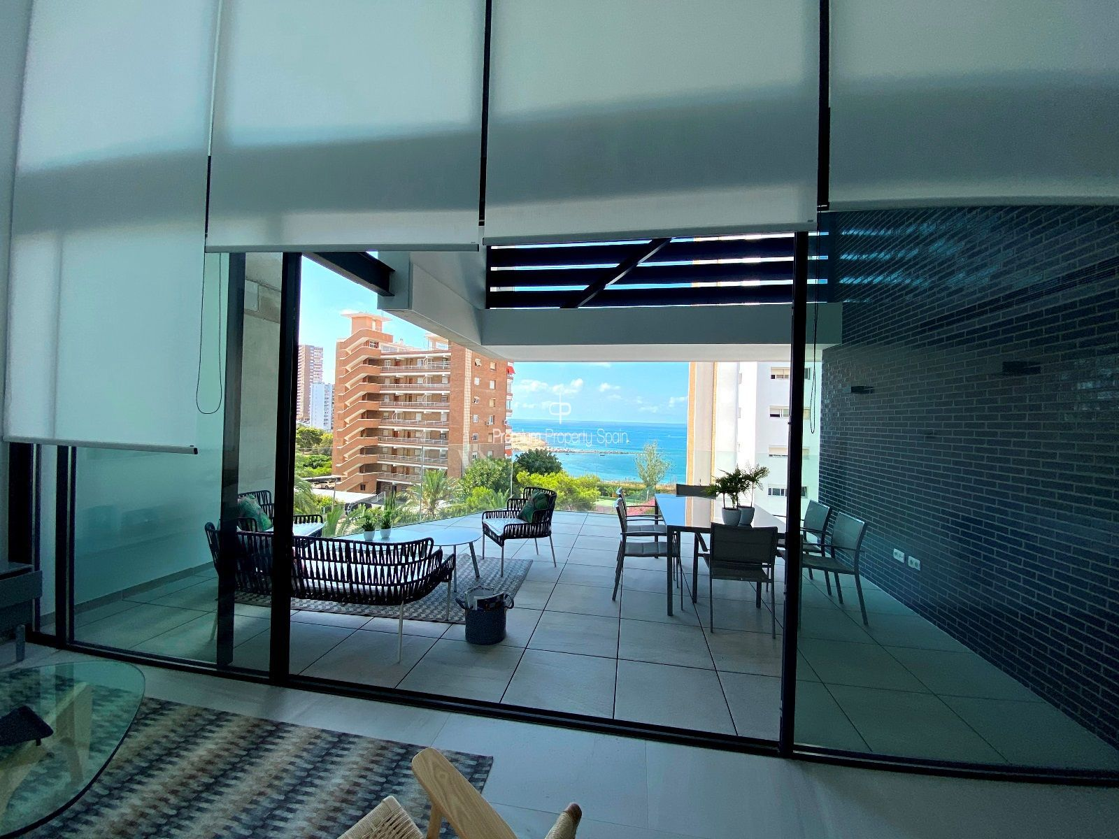 Exclusive Apartment Building - Sea View