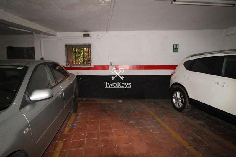Garaje en alquiler  en Badalona, Barcelona . Ref: 1706. TwoKeys