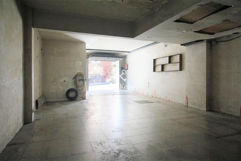 Garaje en venta  en Badalona, Barcelona . Ref: 1753. TwoKeys