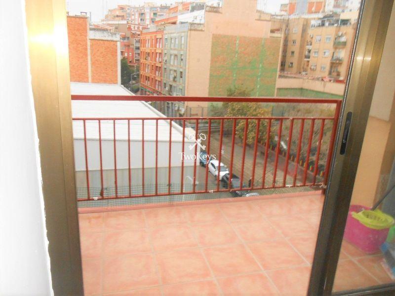 квартира в аренду  в Badalona, Barcelona . Ref: 2028. TwoKeys