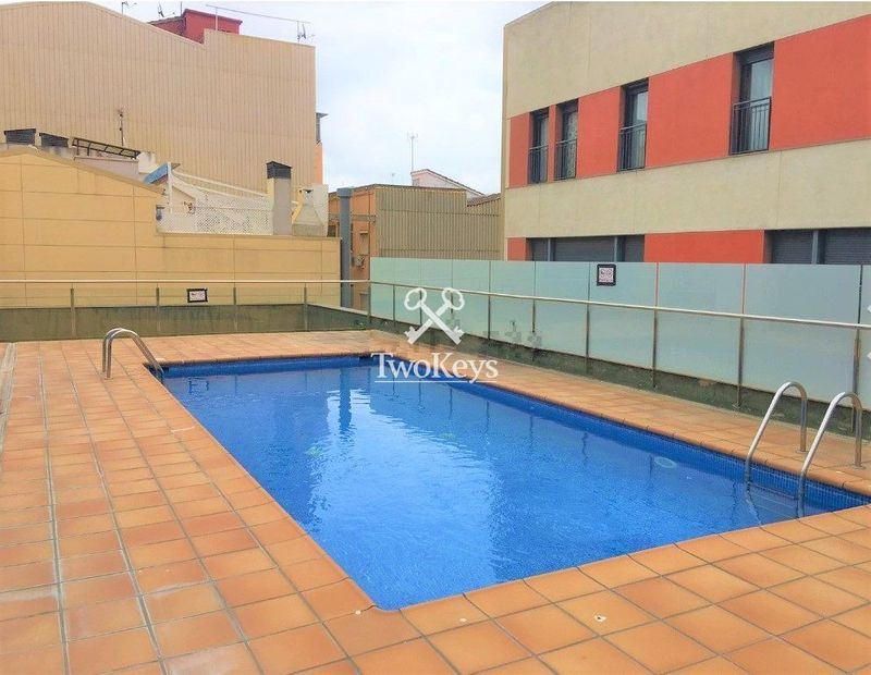 Flat for rent  in Badalona, Barcelona . Ref: 2033. TwoKeys