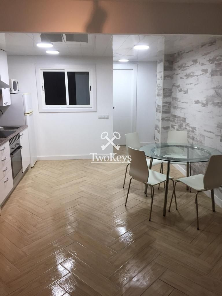 Flat for rent  in Badalona, Barcelona . Ref: 2069. TwoKeys