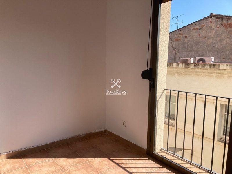 Piso en alquiler  en Badalona, Barcelona . Ref: 2110. TwoKeys