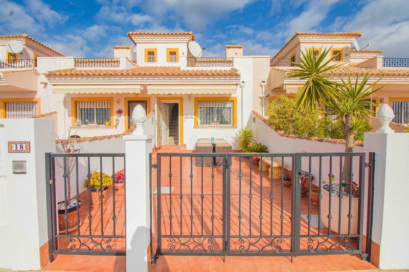 Adosado en venta  en Los Montesinos, Alicante . Ref: 5325. Mayrasa Properties Costa Blanca