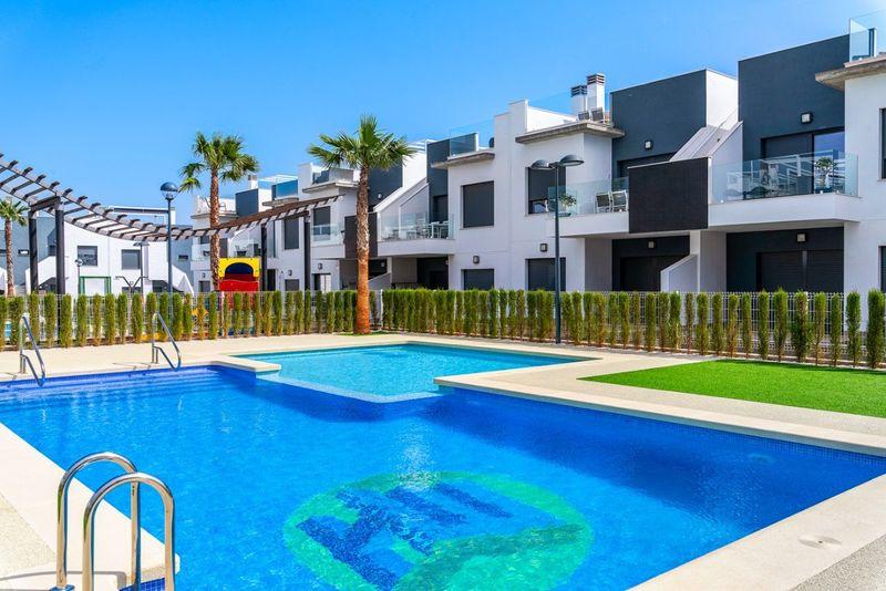 Bungalow Planta Baja en venta  en Pilar De La Horadada, Alicante . Ref: 5587. Mayrasa Properties Costa Blanca