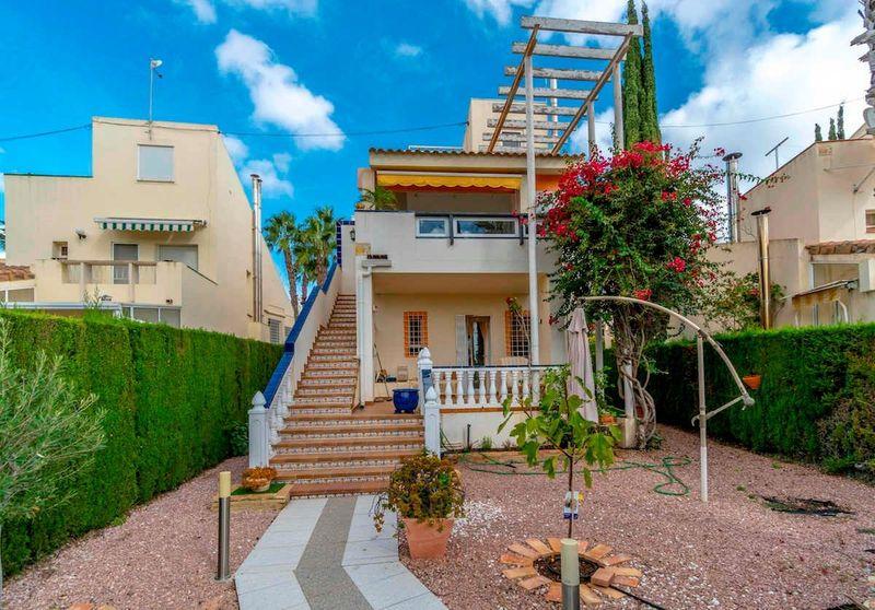 Chalet Independiente en venta  en Orihuela-Costa, Alicante . Ref: 5935. Mayrasa Properties Costa Blanca