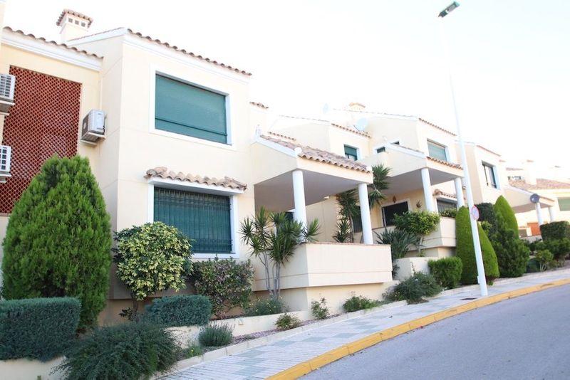 Bungalow Planta Baja en venta  en Orihuela-Costa, Alicante . Ref: 5980. Mayrasa Properties Costa Blanca
