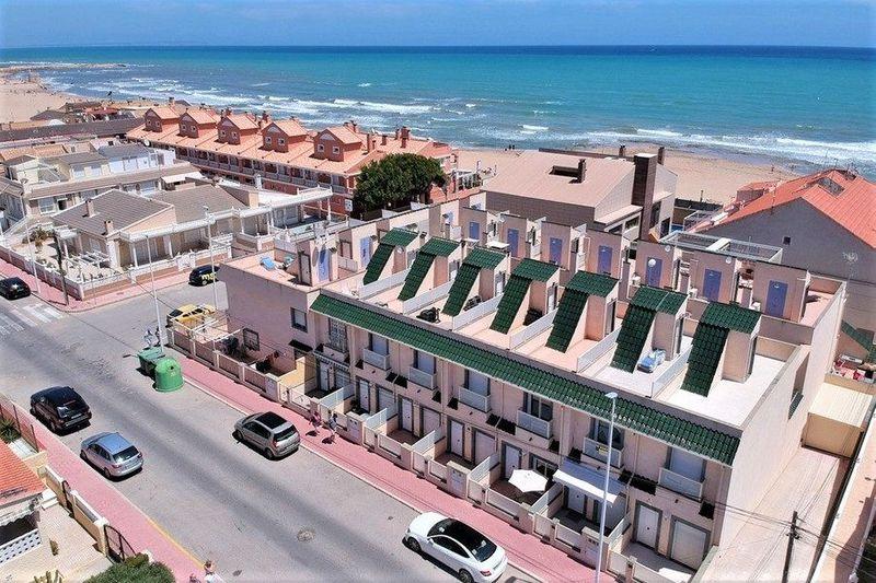 Adosado en venta  en Torrevieja, Alicante . Ref: 6014. Mayrasa Properties Costa Blanca