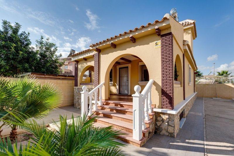 Chalet Independiente en venta  en Balsicas, Murcia . Ref: 6026. Mayrasa Properties Costa Blanca