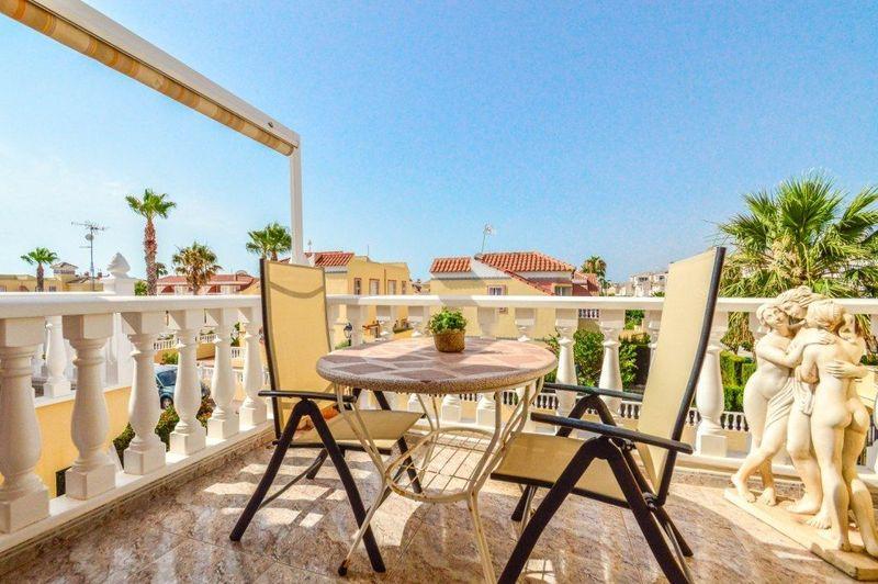 Bungalow övervåning till salu  in Torrevieja, Alicante . Ref: 6036. Mayrasa Properties Costa Blanca