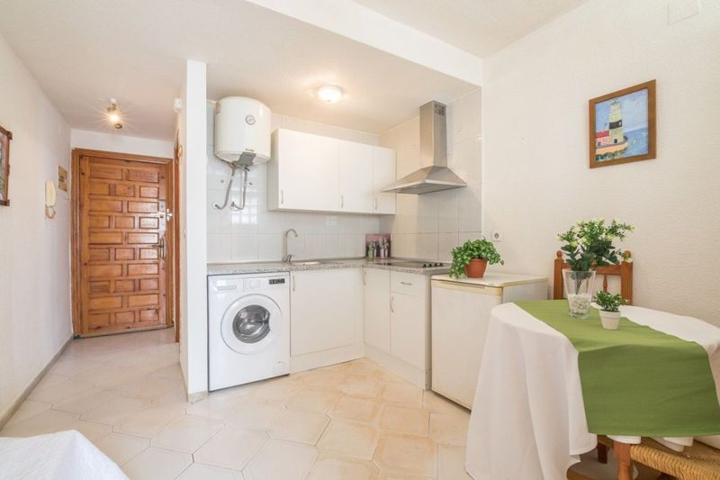Apartamento en venta  en Torrevieja, Alicante . Ref: 6038. Mayrasa Properties Costa Blanca