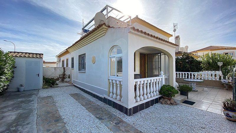 Villa till salu  in Orihuela-Costa, Alicante . Ref: 6051. Mayrasa Properties Costa Blanca