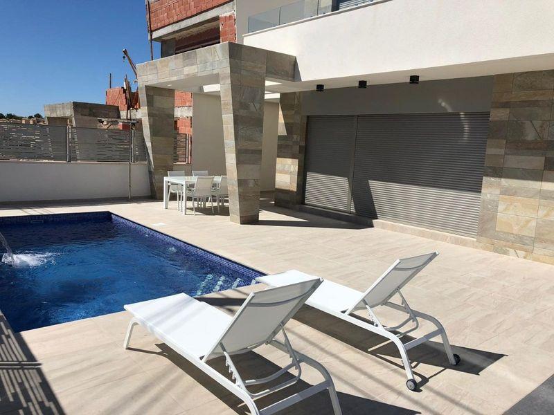Chalet Independiente en venta  en Orihuela-Costa, Alicante . Ref: 6060. Mayrasa Properties Costa Blanca
