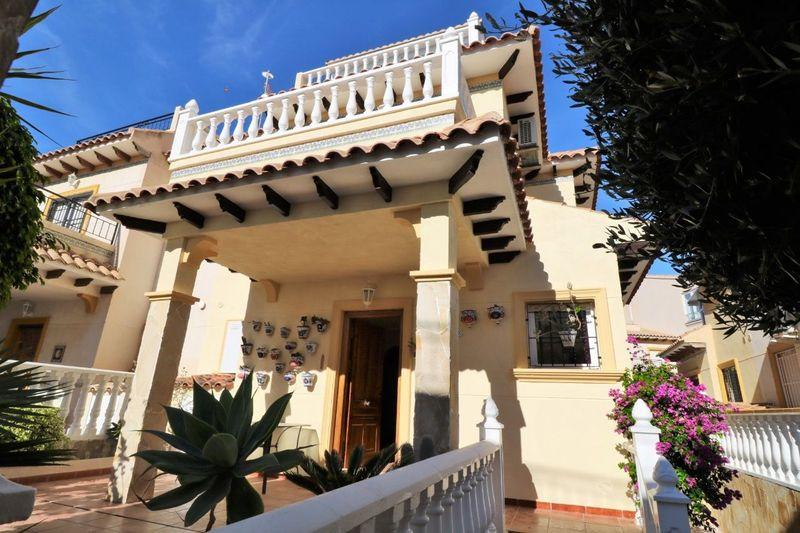 Chalet Pareado en venta  en Orihuela-Costa, Alicante . Ref: 6069. Mayrasa Properties Costa Blanca