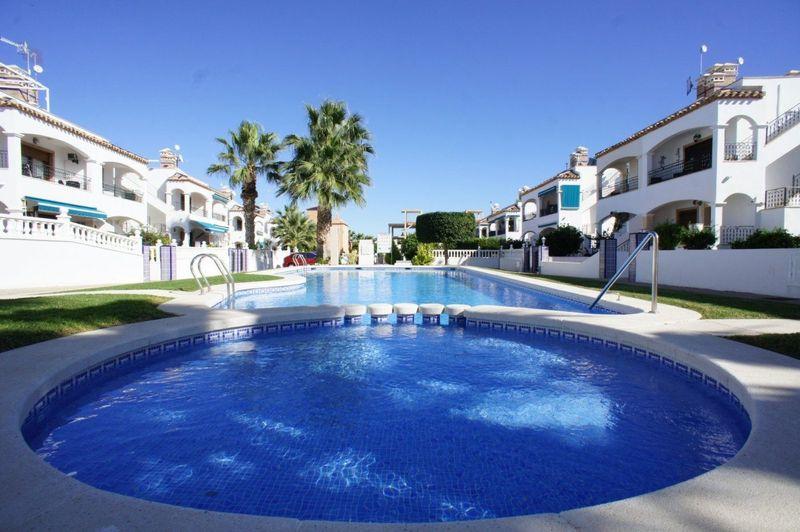 Bungalow Planta Baja en venta  en Orihuela-Costa, Alicante . Ref: 6081. Mayrasa Properties Costa Blanca