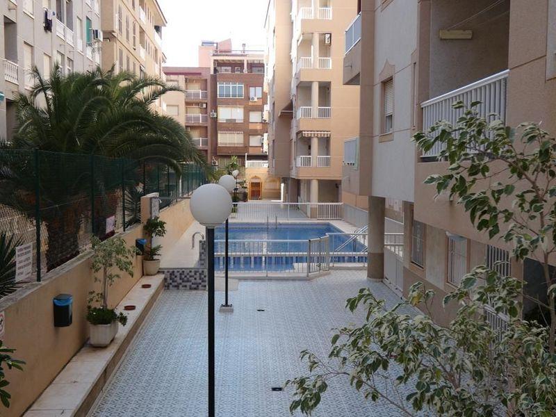 Apartamento en venta  en Torrevieja, Alicante . Ref: 6087. Mayrasa Properties Costa Blanca