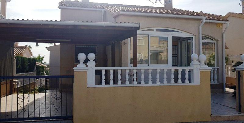 Chalet Independiente en venta  en Orihuela-Costa, Alicante . Ref: 6092. Mayrasa Properties Costa Blanca