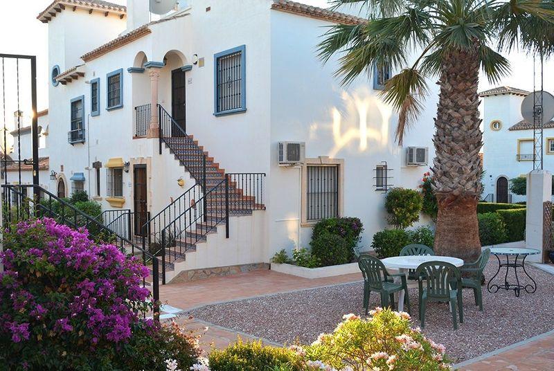 Bungalow Planta Baja en venta  en Orihuela-Costa, Alicante . Ref: 6112. Mayrasa Properties Costa Blanca