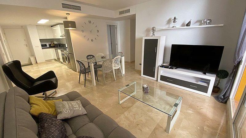 Apartamento en venta  en Torrevieja, Alicante . Ref: 6126. Mayrasa Properties Costa Blanca