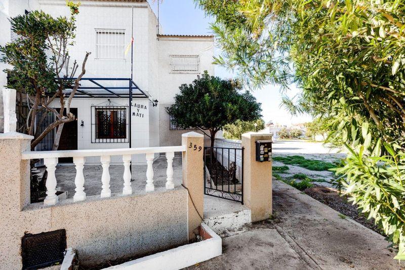 Bungalow Planta Baja en venta  en Torrevieja, Alicante . Ref: 6139. Mayrasa Properties Costa Blanca