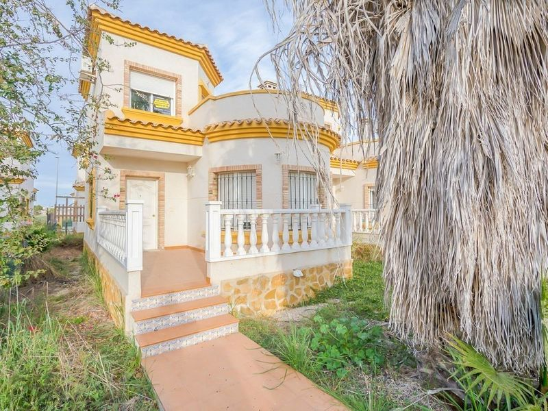 Chalet Independiente en venta  en Los Montesinos, Alicante . Ref: 6146. Mayrasa Properties Costa Blanca
