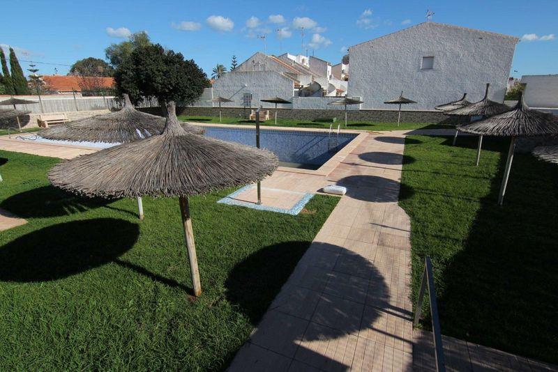 Chalet Pareado en venta  en Torrevieja, Alicante . Ref: 6163. Mayrasa Properties Costa Blanca