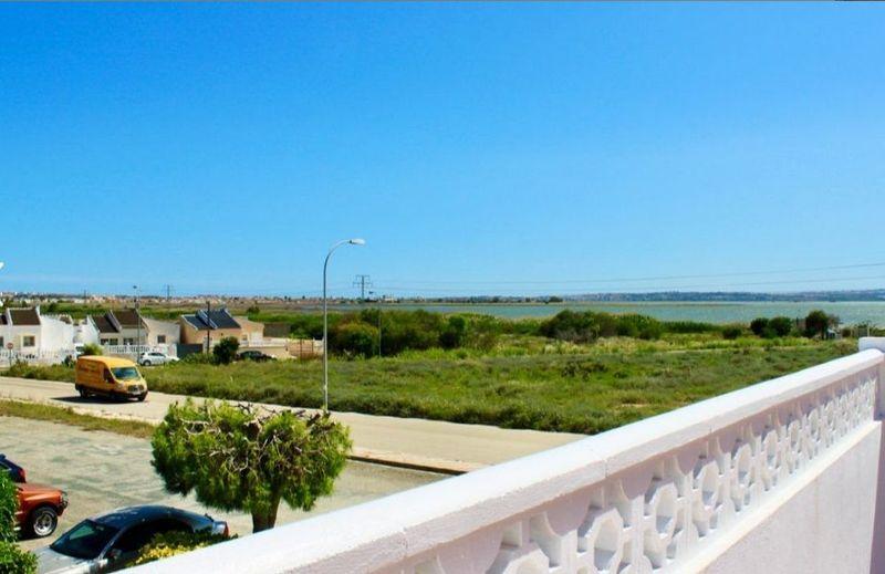 Adosado en venta  en Torrevieja, Alicante . Ref: 6167. Mayrasa Properties Costa Blanca