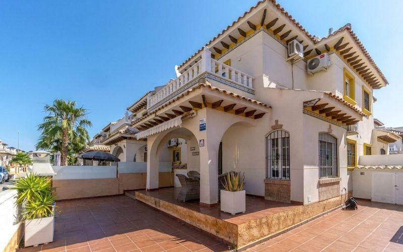 Chalet Pareado en venta  en Orihuela-Costa, Alicante . Ref: 6203. Mayrasa Properties Costa Blanca