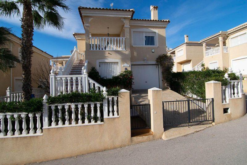 Chalet Independiente en venta  en Orihuela-Costa, Alicante . Ref: 6213. Mayrasa Properties Costa Blanca