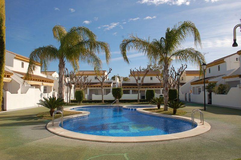 Adosado en venta  en Pilar De La Horadada, Alicante . Ref: 6217. Mayrasa Properties Costa Blanca