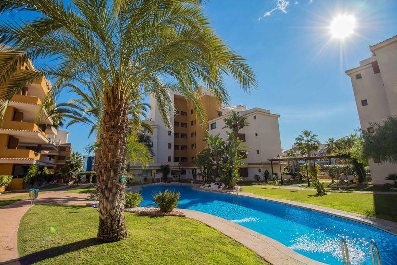 Ático en venta  en Torrevieja, Alicante . Ref: 6222. Mayrasa Properties Costa Blanca